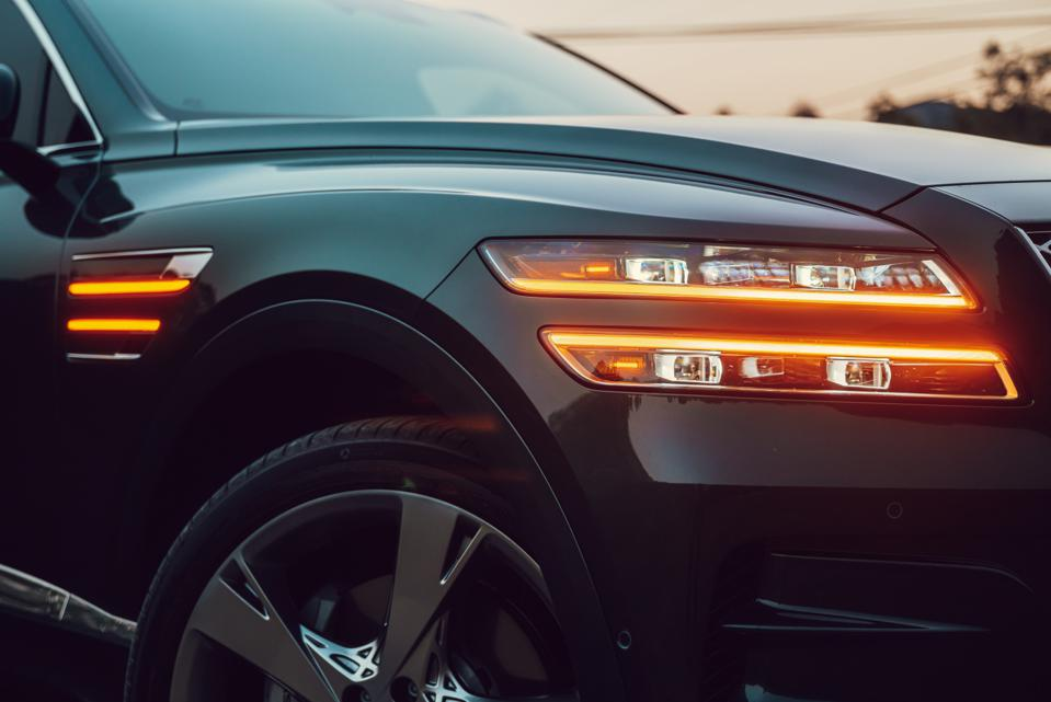 Why Tiger Woods' car crash has put the spotlight on Genesis, Hyundai's luxury brand? Golf legend rolls over in Genesis GV80 SUV