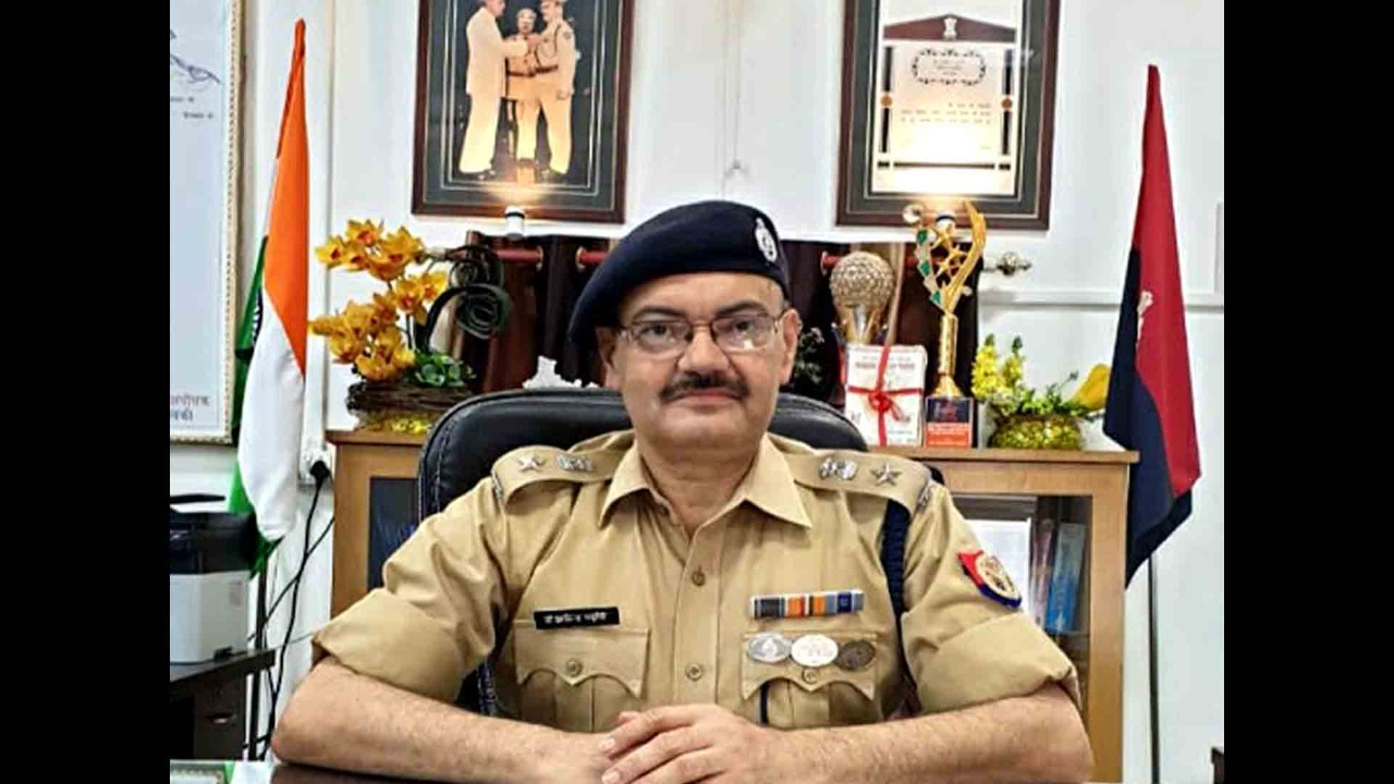 I Will Give You Employment, Stop Selling Liquors: SP Dr. Arvind Chaturvedi