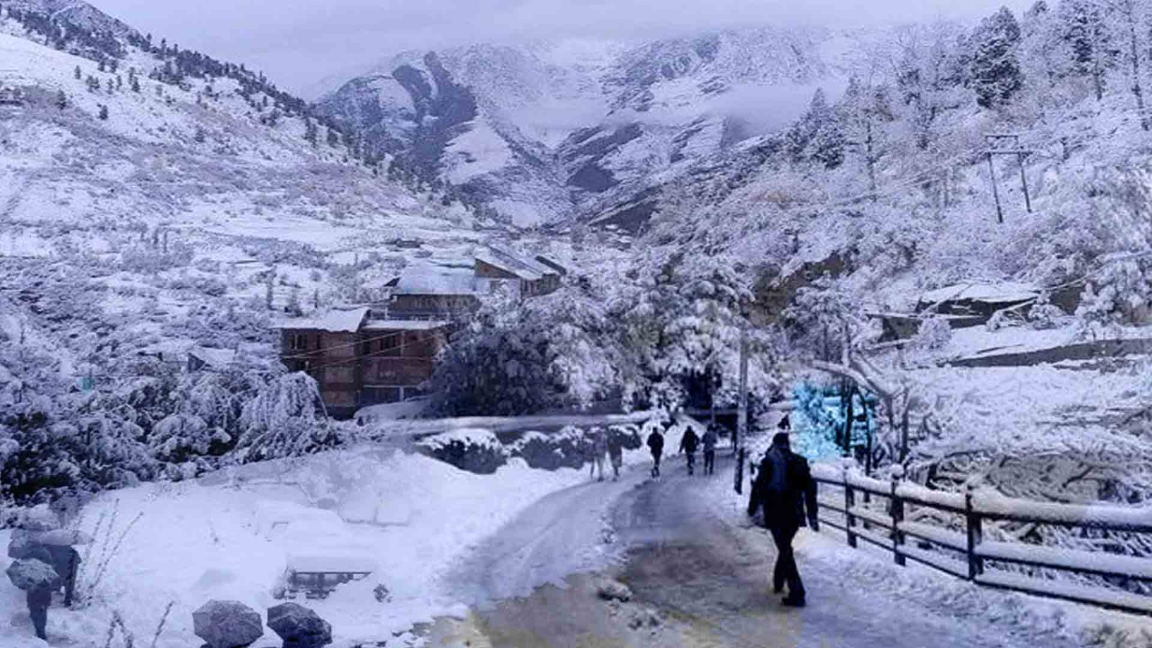 First snowfall in Himachal, minimum temperature in Keylong around 0 degree