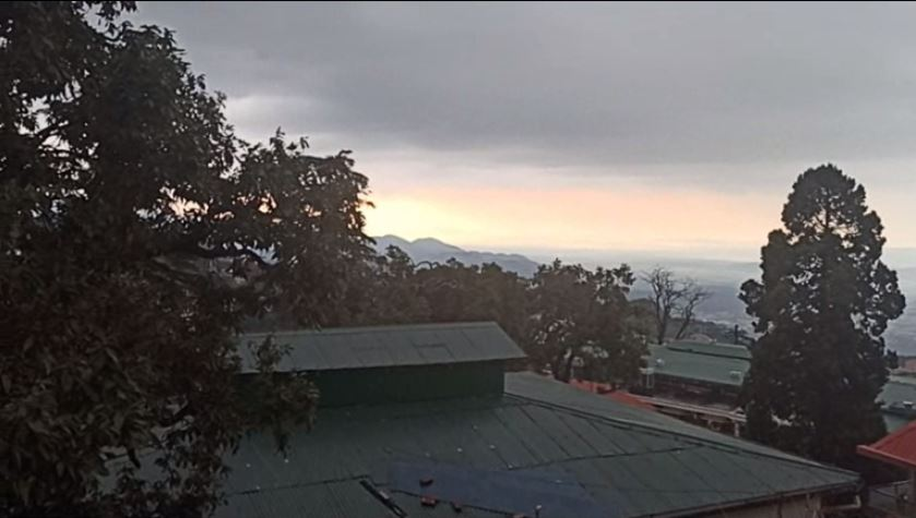 Heavy Rainfall in Mussoorie,  temperature down