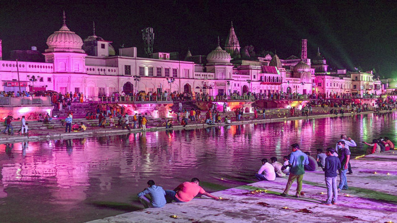 Ayodhya will shine with 1 lakh diyas of cow dung and soil under the leadership of Chief Minister Yogi