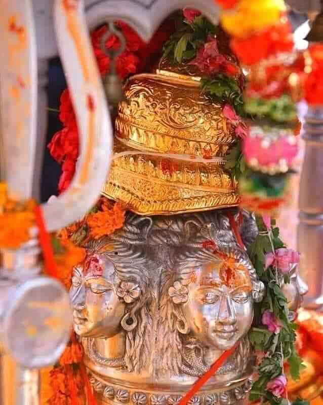 The doors of the Kedarnath shrine closed for winter amid heavy snowfall, CM of UP and Uttarakhand were present
